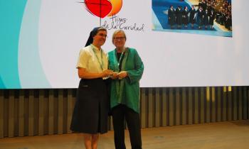 Las Hijas de la Caridad reciben el Premio de Honor por su contribución al bienestar social